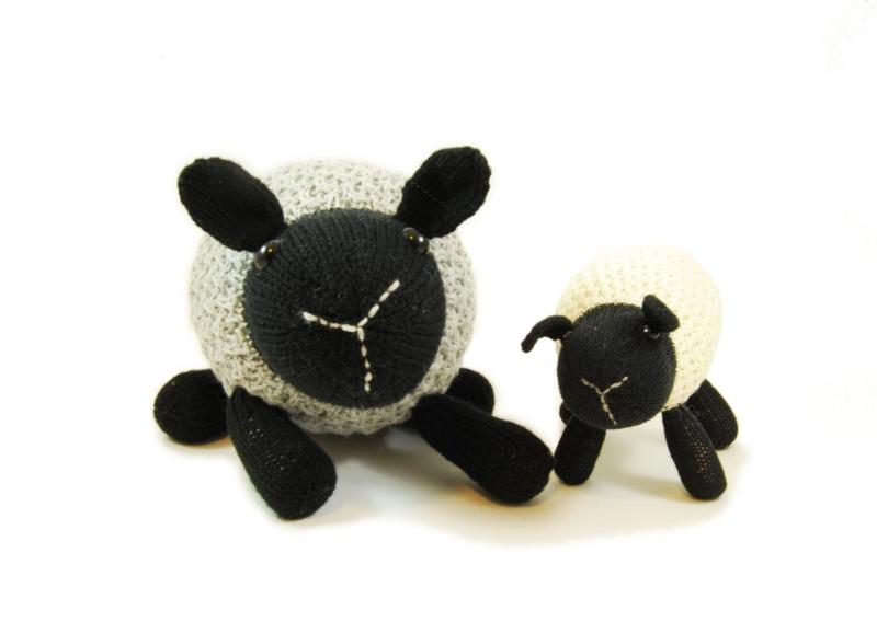 Loretta Lamb Knitting Pattern
