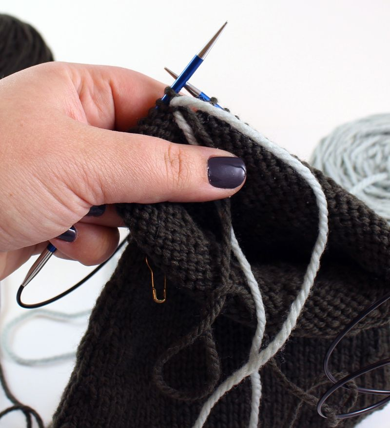 Colorwork in the round tutorial 6
