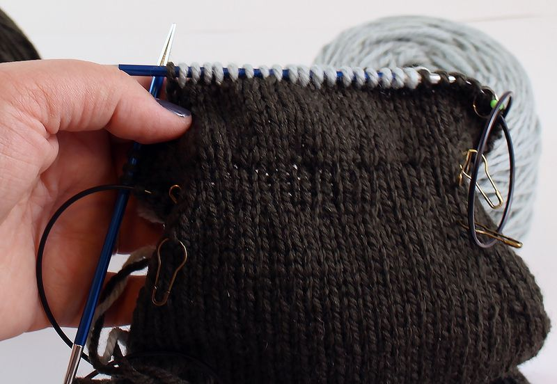 Colorwork in the round tutorial 15