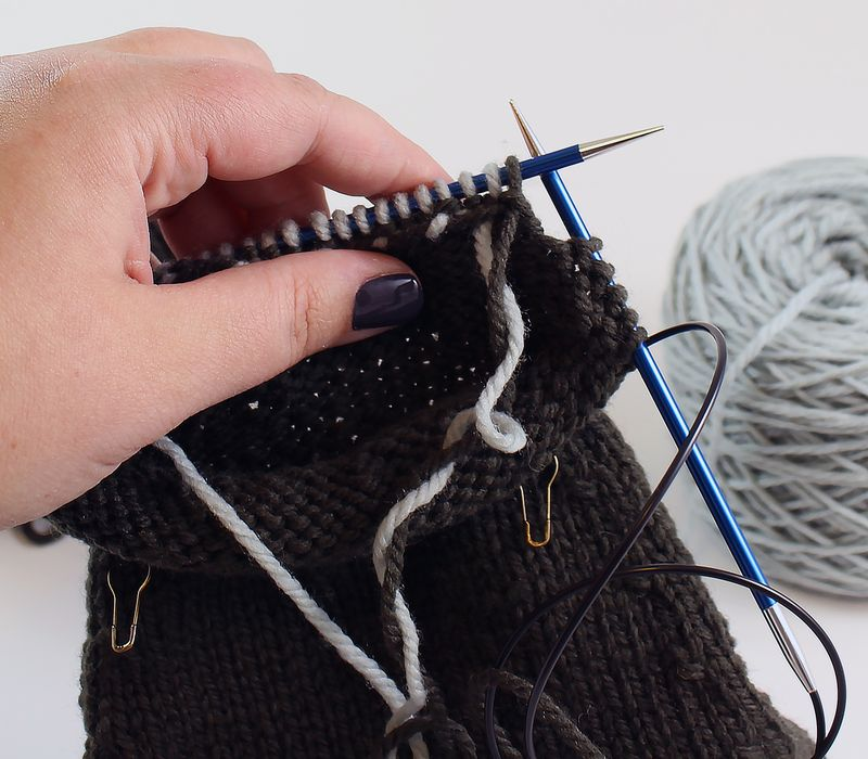 Colorwork in the round tutorial 16