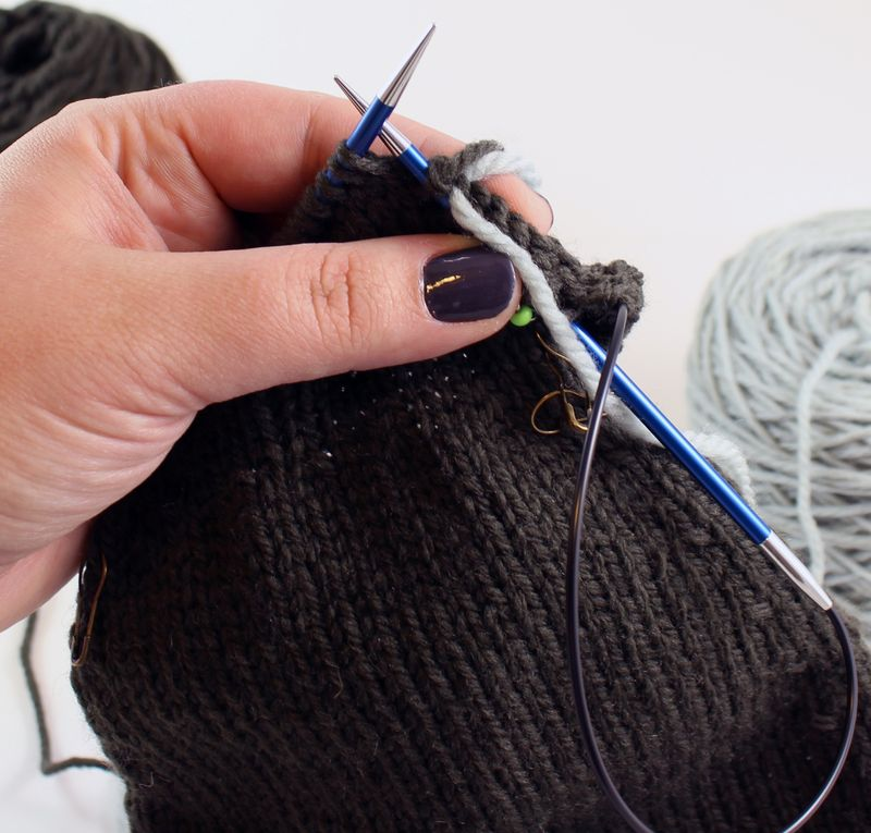 Colorwork in the round tutorial 4