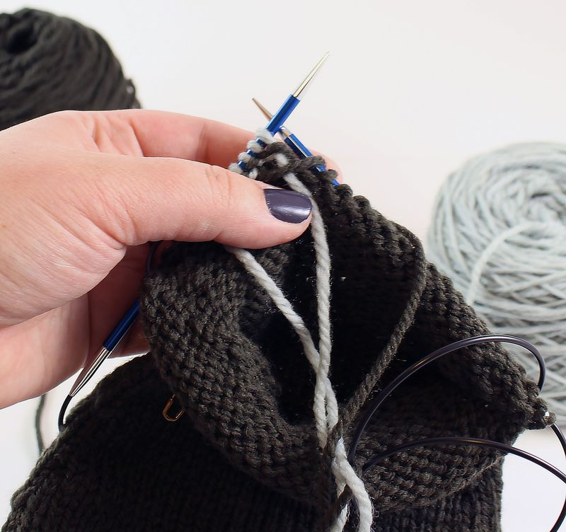 Colorwork in the round tutorial 11