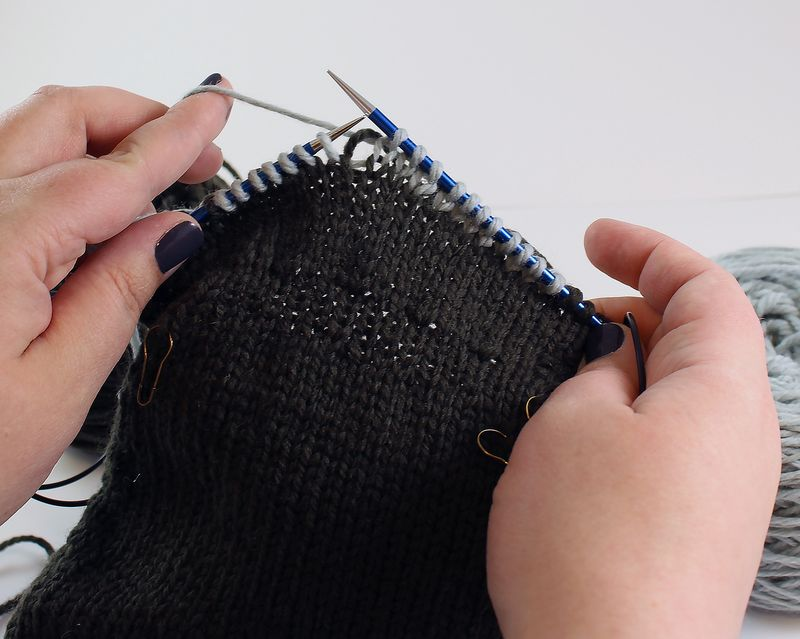 Colorwork in the round tutorial 22