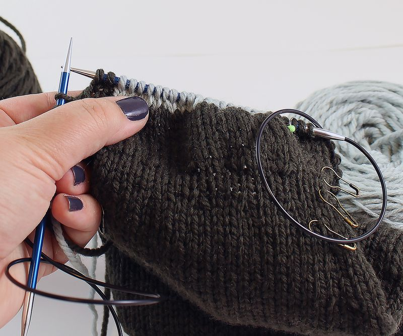 Colorwork in the round tutorial 26